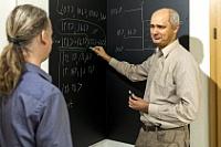 """Prof. Ralf Schützhold leitet seit 2018 die Gruppe """"Theoretische Physik"""" am HZDRFoto: Rainer Weisflog/HZDR"""