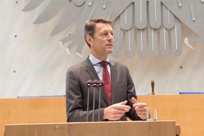 Staatssekretär Dr. Georg Schütte bei der SNI2014
